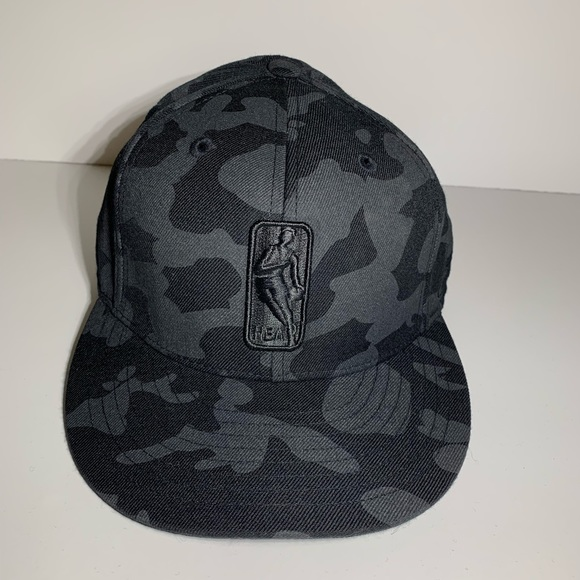 Reebok Other - Black & Gray Camo NBA baseball hat Sz 7 3/4